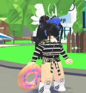 A player interacting with the Donut Frisbee.