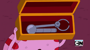 S5e34 Peppermint Butler with mechanical arm