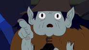 S5 e1 Farmworld Marceline warning Farmworld Finn of the crown