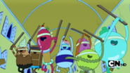 185px-S1e1 blindfolded candy people running