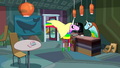 S7e30 Lady confronting Roy in coffee shop