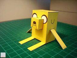 Adventure-time-jake-papercraft-02-1-