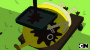 S5 e39 Banana Man with a face full of oil