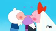S6 E7 kiss