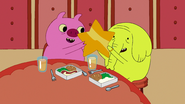 S6e26 Mr. Pig and Tree Trunks with gold star