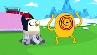 S5e18 Gunter about to throw drink at Jake