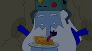 S9e2 Ice King licking apple pie