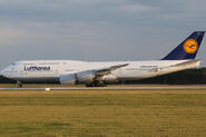 Lufthansa boeing 747-8 brandenburg