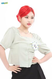 Ningning Weekly Idol 21.05.26 6