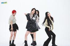Aespa Weekly Idol 21.05.26 5
