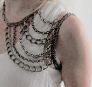 Shoulder-chain