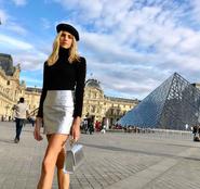 Louvre beret girl