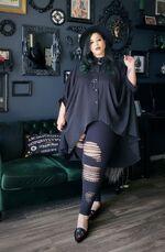 Alternative fashion goth leaning