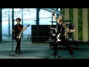 Green Day - American Idiot -Official Music Video-