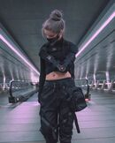 Cyber-punk-black-outfit-woman