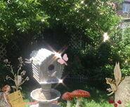 Fairycore Birdfeeder