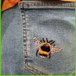 Bee jeans.jpg