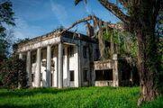 0a77f05b-c0ad-479d-a9c0-a69e35f21f0a-abandoned-homes-america-dicksonia-plantation-alabama-3.jpg