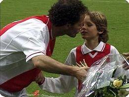 Danny met zijn zoon Daley bij zijn afscheid in 1999