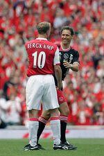 Dennis Bergkamp en Marco van Basten
