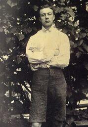 1900)ChrisHolst2.jpg