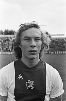 1975)H.vanSanten.jpg