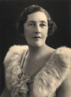 Agatha-christie-glam-photo.jpg