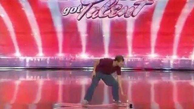 Ryan_Compton,_38_~_America's_Got_Talent_2010,_auditions_Portland_Day2