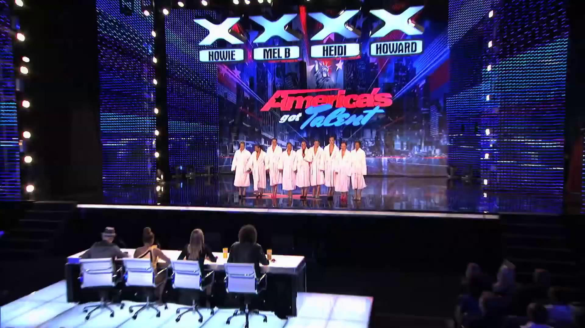 America's Got Talent 2013 - Season 8 - 094 - The Aquanuts - Synchronized Swimming In High Heels
