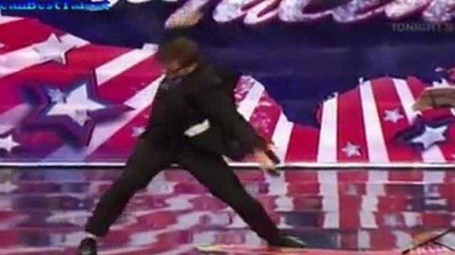 Thomas_John,_22_~_America's_Got_Talent_2011,_Auditions_End
