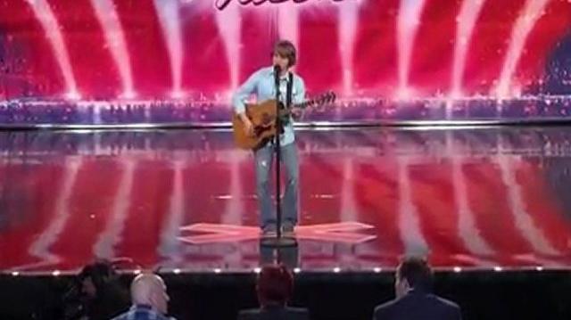 Taylor_Matthews,_18_~_America's_Got_Talent_2010,_auditions_Dallas-0