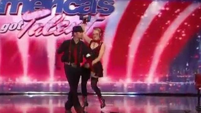 Twisted_Trystan_&_Krystan,_23,_27_~_America's_Got_Talent_2010,_auditions_Orlando-0