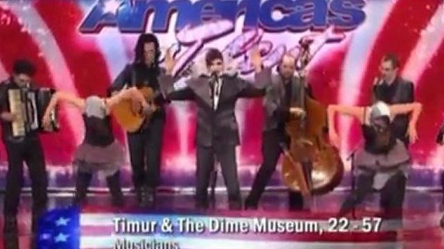 Ranses_Valentt,_31_~_America's_Got_Talent_2010,_auditions_LA-0