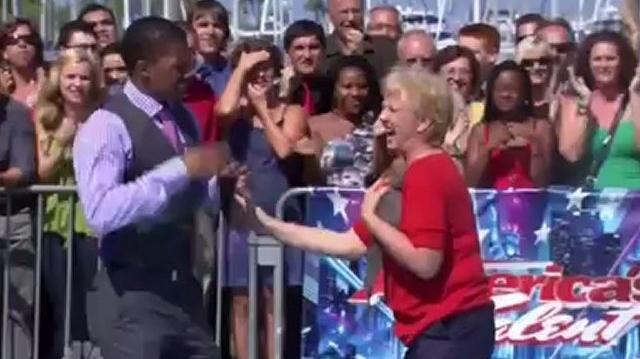 Twiggy_The_Waterskiing_Squirrel_~_America's_Got_Talent_2012-0