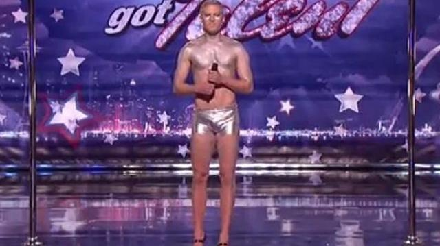 Steven_Retchless,_24_~_America's_Got_Talent_2011,_New_York_Auditions-0