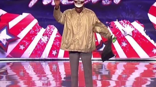 The_Paper_Horn_Man_~_America's_Got_Talent_2011,_Seattle_Auditions
