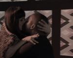 Macu y David besandose