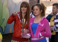 Lorena y su amiga
