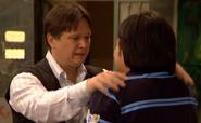 Osvaldo despidiendose de su hijo