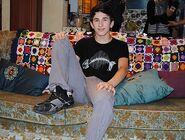 Jonathan en su casa