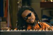 Luisito caracterizado como Stevie Wonder