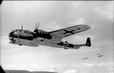 Bundesarchiv Bild 101I-341-0489-10A, Frankreich, Flugzeug Dornier Do 17 Z.jpg