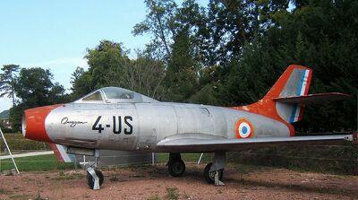 800px-Dassault Ouragan.jpg