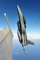 F 16 52+ adv 13