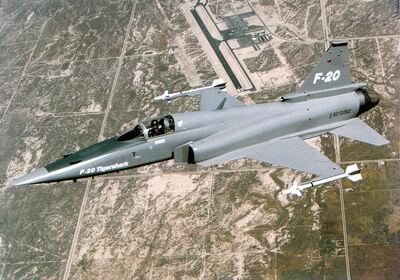 800px-F-20 flying.jpg