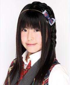 AKB48 IwasakiHitomi 2010.jpg