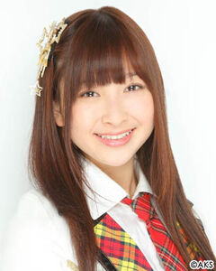 HKT48 NakanishiAyaka 2012.jpg