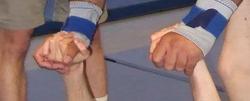 Hände einfacher Flieger.png