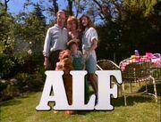 ALF Intro Staffel 1.jpg