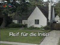 ALF 2x02 Vorspann Titel.jpg